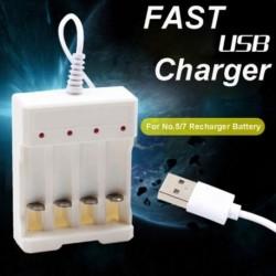 1.2V univerzális 4 bővítőhelyes USB csatlakozó akkumulátor töltő újratölthető AA / AAA elemekhez
