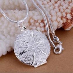 Ezüst színű kerek medál lánccal - fényképtartós - Elegáns nyaklánc