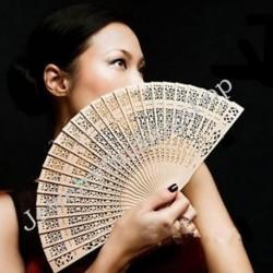 Vintage összecsukható bambusz eredeti fa faragott esküvői menyasszonyi fél kéz ventilátor 1db