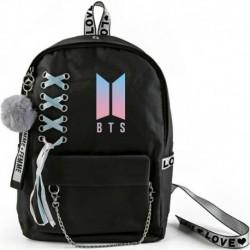 Fekete hátitáska - Színes BTS logóval - KPOP - BTS - Bangtan Boys - B