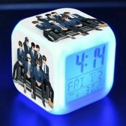 7 - BTS Bangtan Boys LED Nachtlampe színes váltó Lichter digitális riasztó Wecker mód